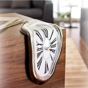 Relógio Derretido à la Mode de Dalí (Entrega em 24h)